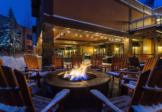 Sheraton Hotel Patio with fire pit